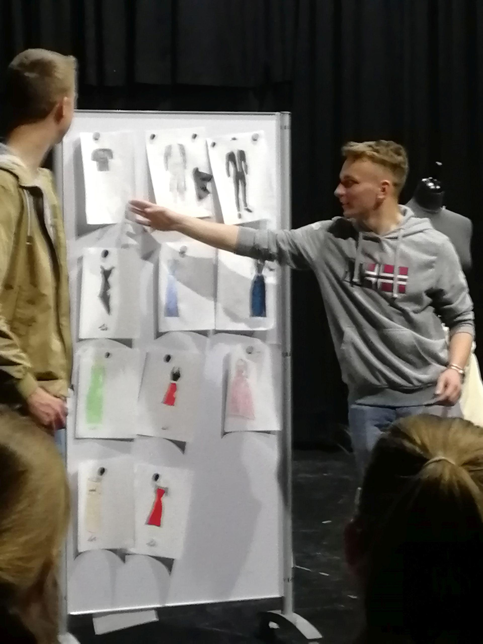 Präsentation der Kostümideen