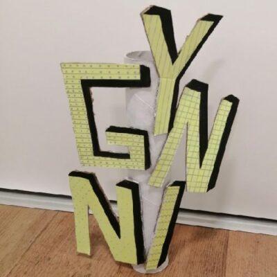 Lina-Fiedler-Buchstabenskulptur
